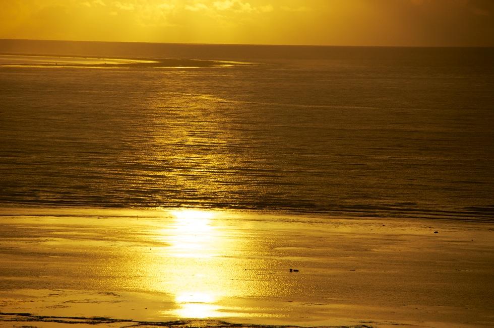 マエサトビーチの朝日3