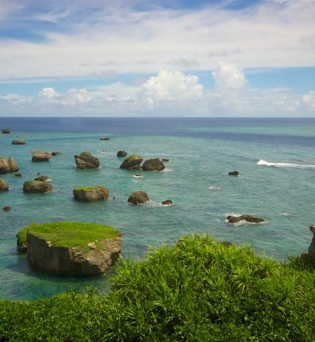 宮古島の絶景スポット!断崖の岬、東平安名崎へ。