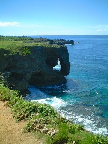 琉球国王も驚嘆☆万座毛。断崖の台地から圧巻の景色。