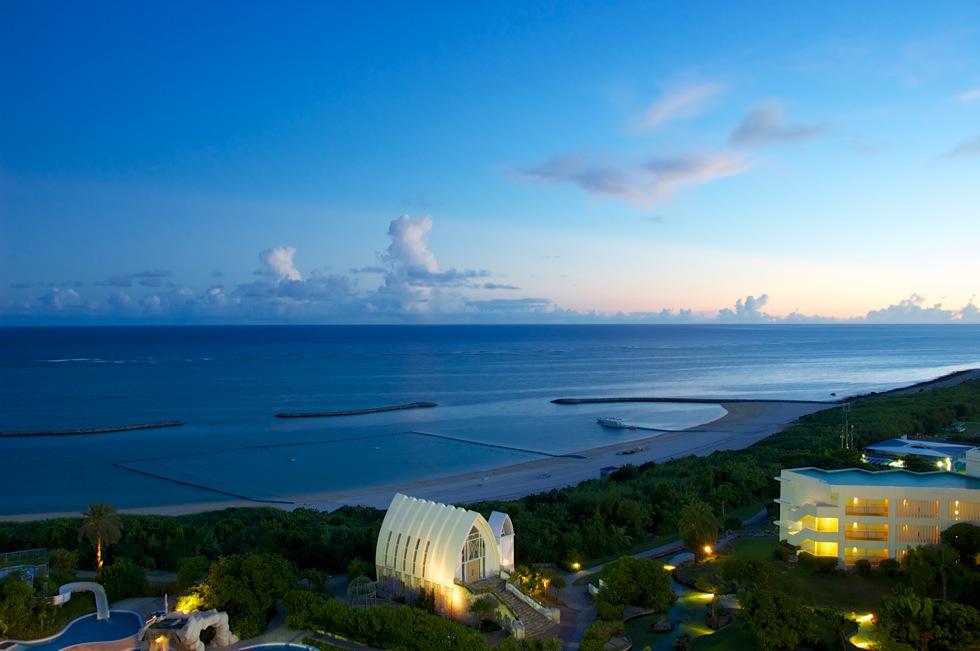 ANAインターコンチネンタル石垣リゾート マエサトビーチからの夕日