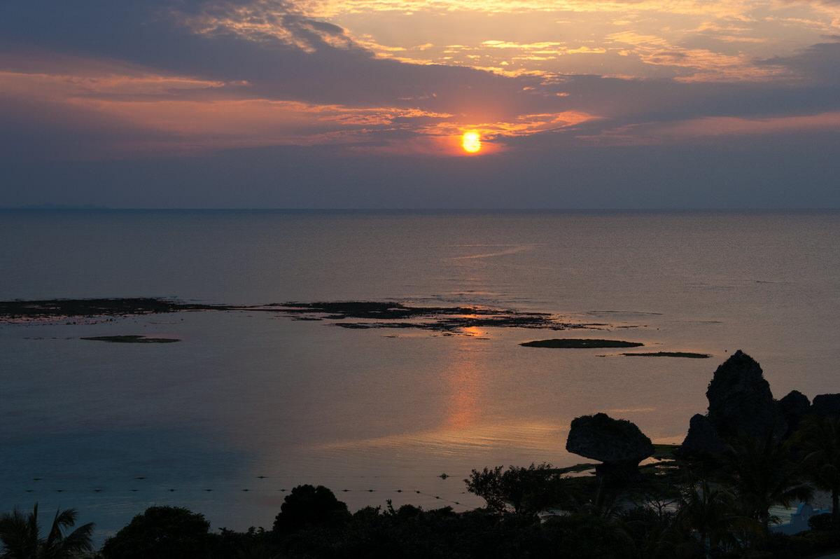 ニライビーチ夕日