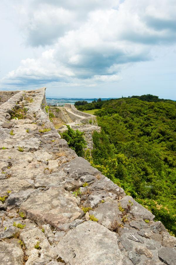 中城城跡から海を望む