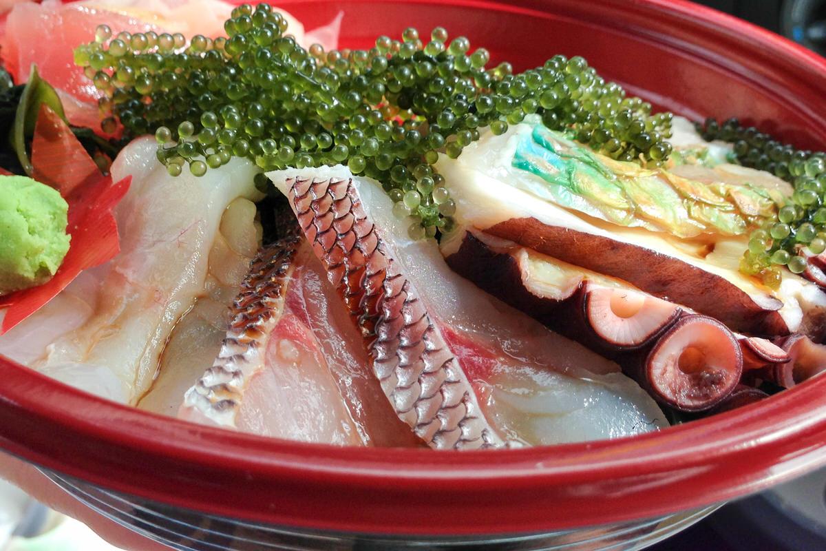 沖縄の海鮮丼