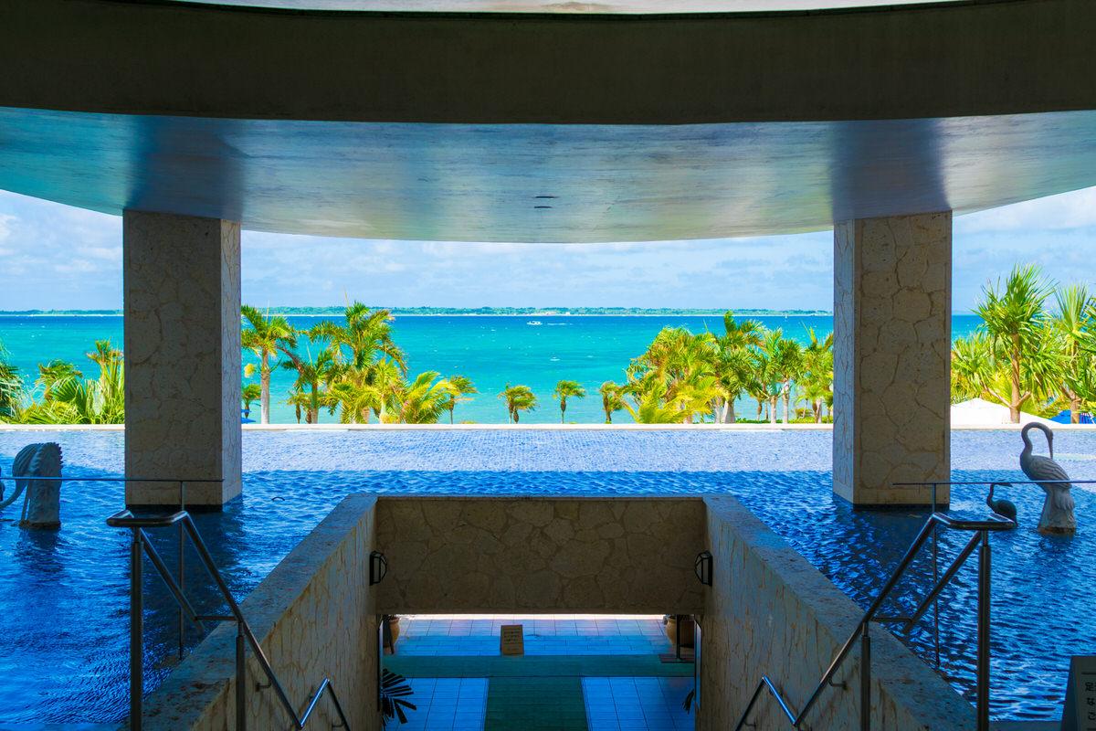竹富島を一望、開放感ある石垣リゾートグランヴィリオホテル