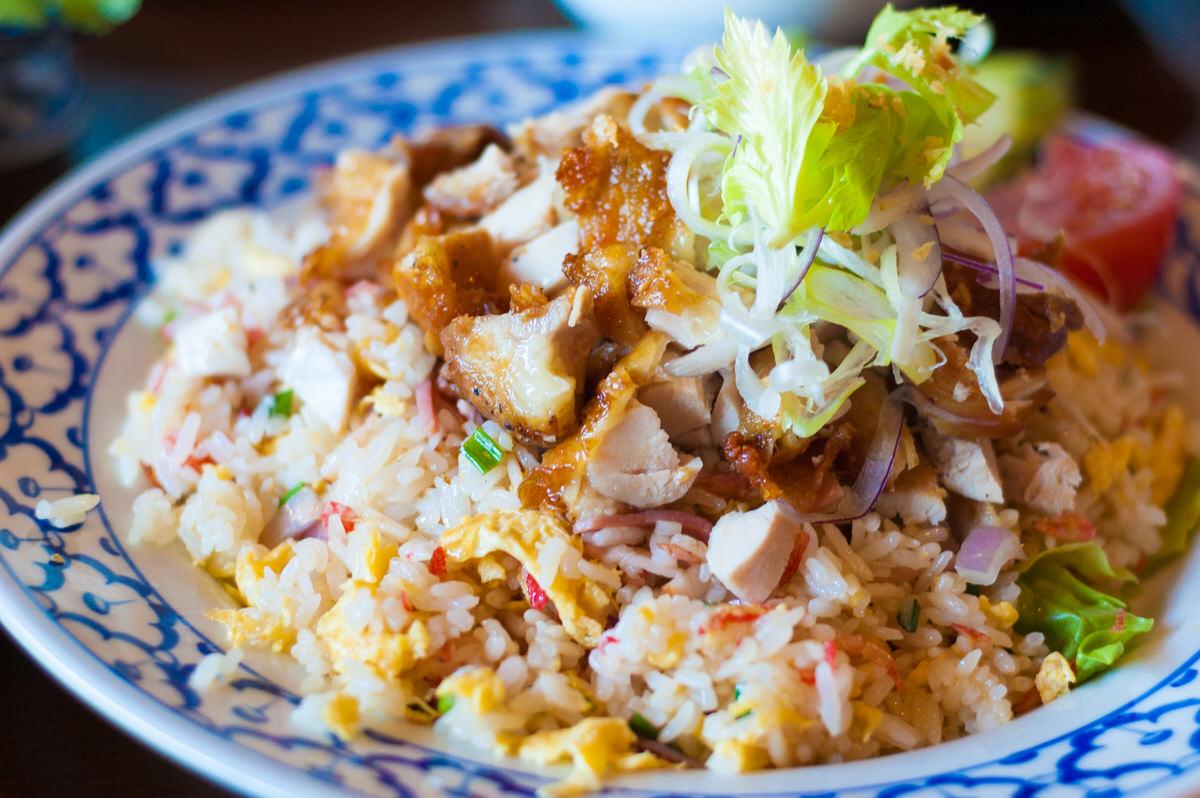 絶景の海カフェ「くるくま」は沖縄南部の人気のカフェ!