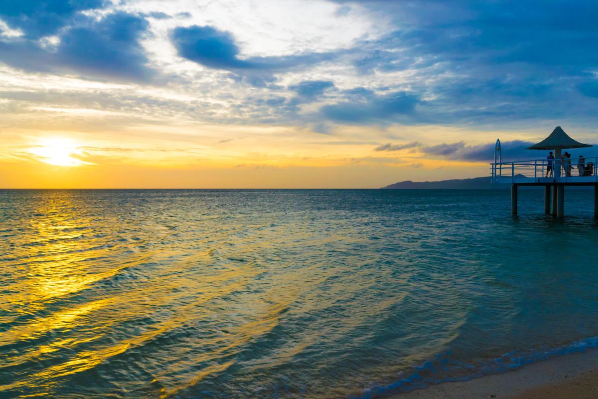 石垣島の西海岸「フサキリゾートヴィレッジ」からの夕日