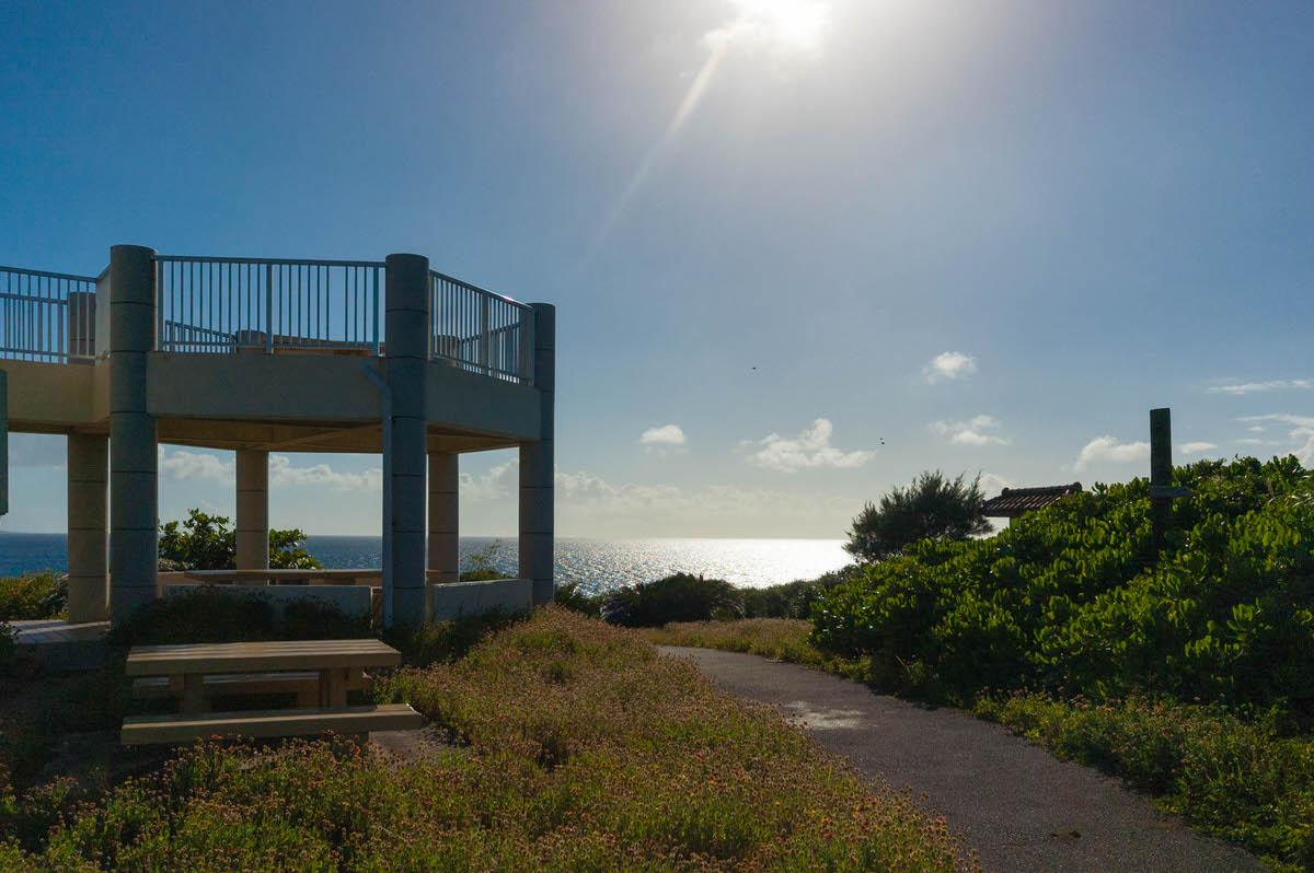 宮古島の北西に細長く伸びる西平安名崎はおすすめ絶景スポット