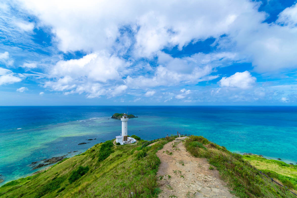 石垣島の最北端「平久保崎」石垣ブルーが美しい