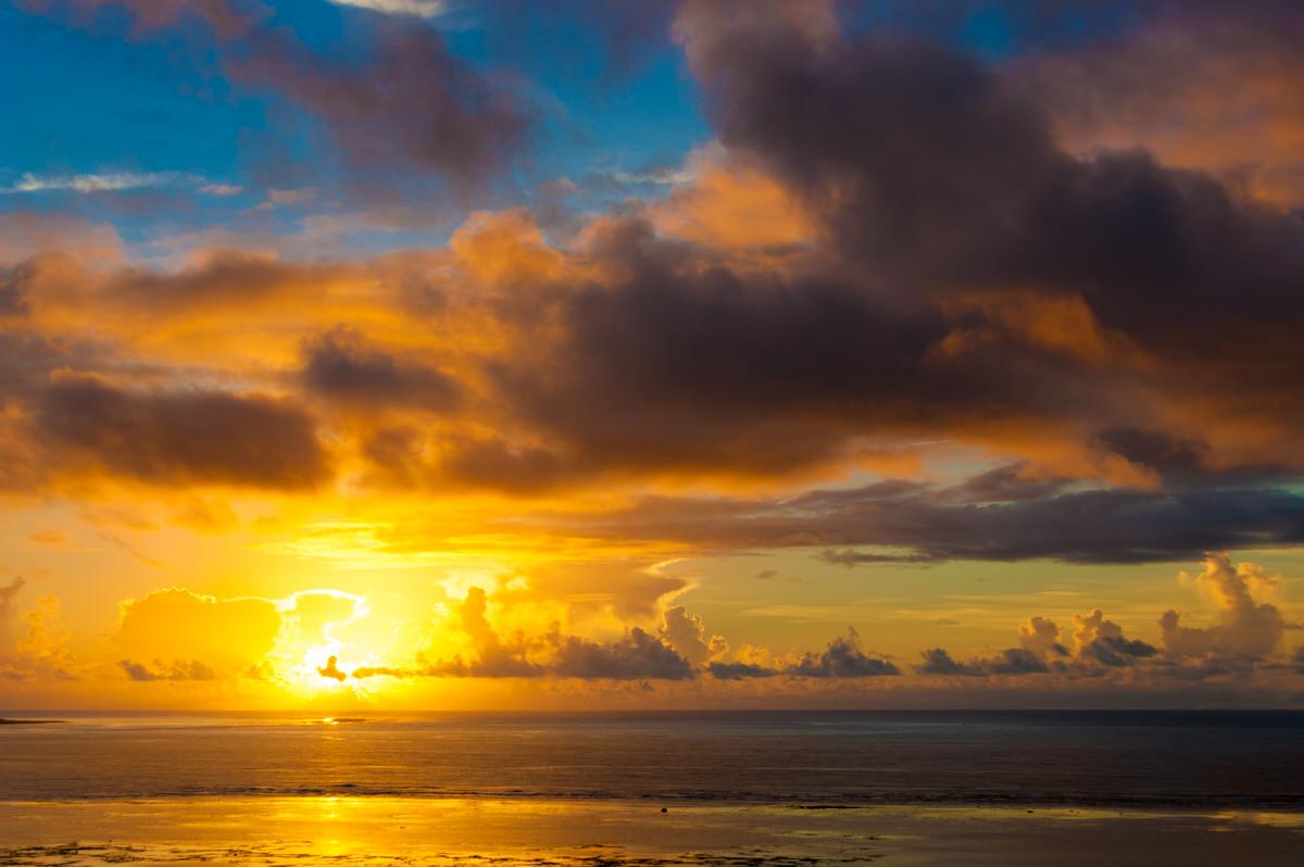ANAインターコンチネンタル石垣リゾート タワーウィングからの夕日