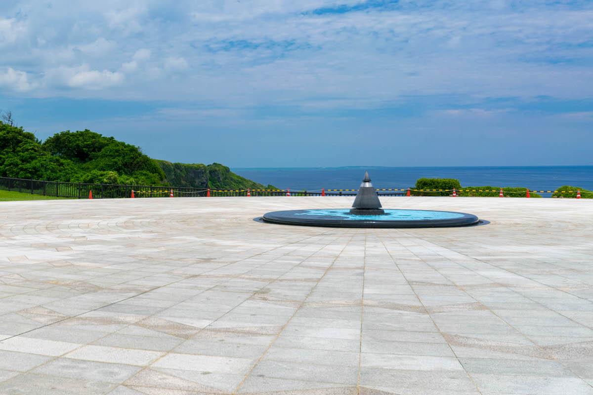 沖縄本島南部、平和を願い巡る沖縄戦終焉の地「平和祈念公園」へ