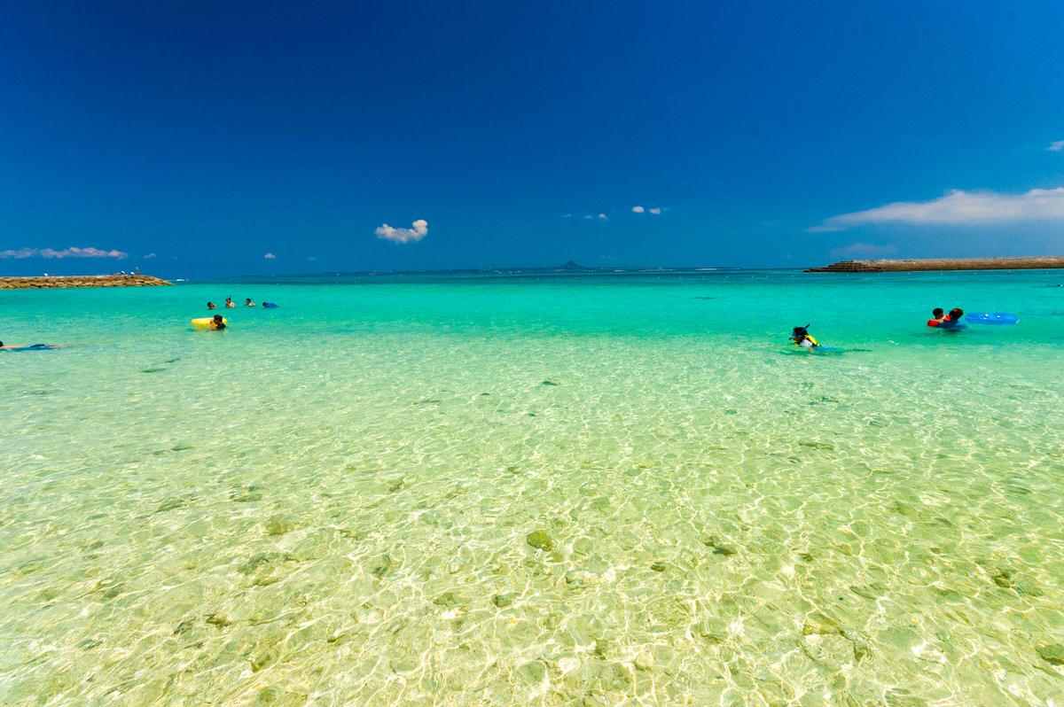 沖縄本島から15分!クロワッサンアイランド、水納島へ
