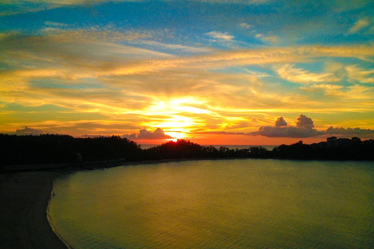 部瀬名岬の夕日